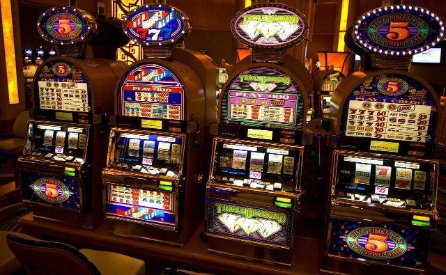 777 игровые автоматы онлайн в казино Спин Сити