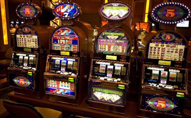 Скачать бесплатные игральные онлайн слоты в интернет казино Gaminatori Казино